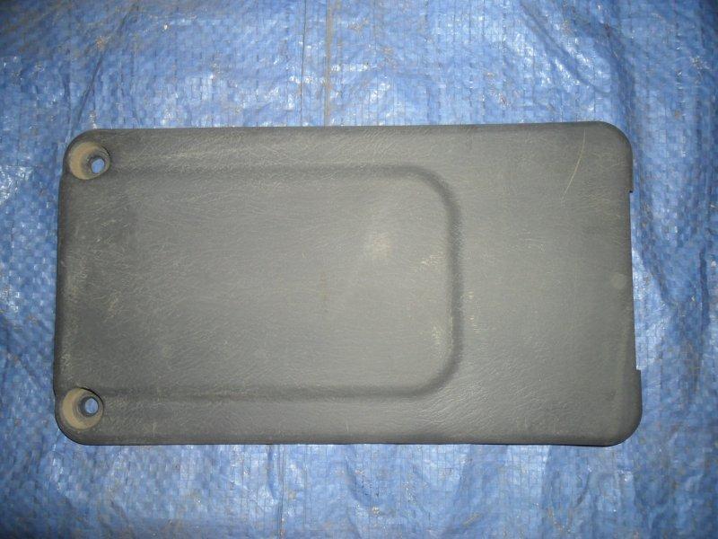 Накладка стойки Nissan Vanette SK82MN F8