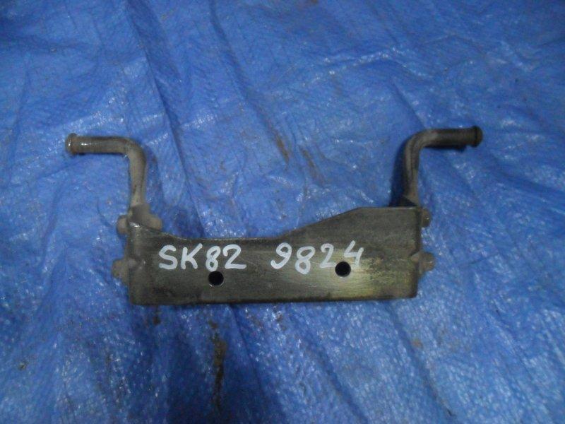 Крепление глушителя Nissan Vanette SK82MN F8