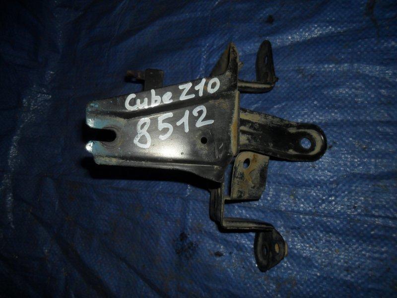 Кронштейн блока abs Nissan Cube Z10 CG13DE 1998