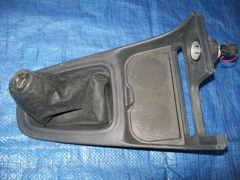 Накладка рычага мкпп Nissan Almera N16 QG15 2001