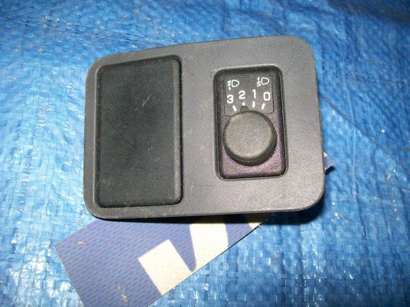 Кнопка корректора фар Nissan Almera N16 QG15 2001