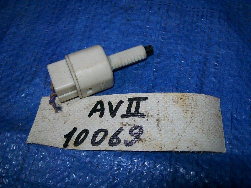Датчик включения стоп-сигнала Toyota Avensis ZZT251 1ZZ-FE 2003