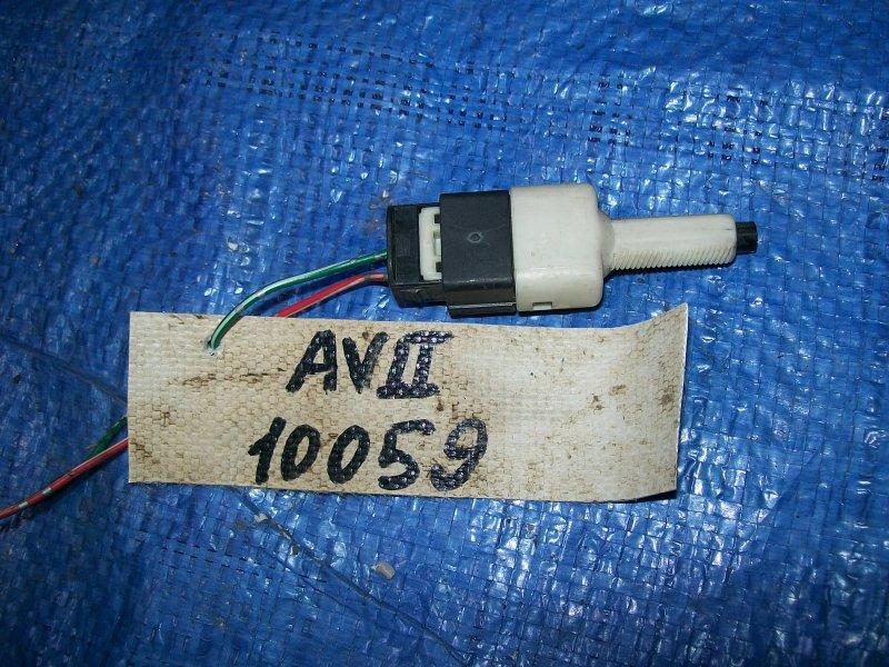 Датчик включения стоп-сигнала Toyota Avensis AZT250 1AZ-FSE 2003