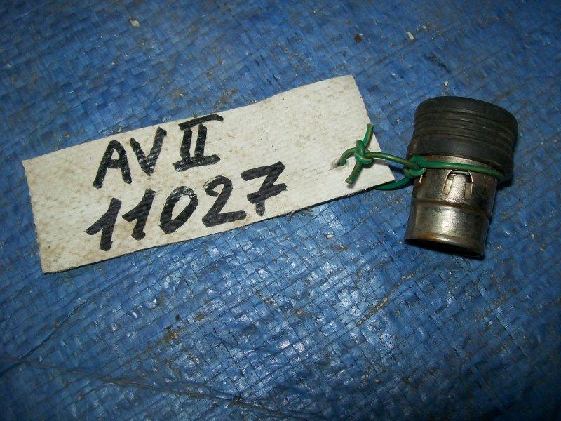 Прикуриватель Toyota Avensis AZT250 1AZ-FSE 2003