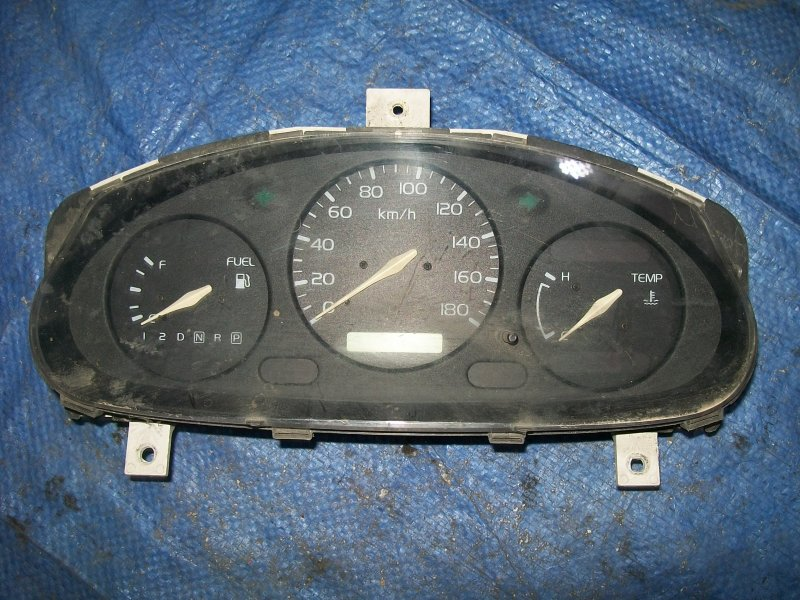Щиток приборов Nissan March K11 CG10 1999