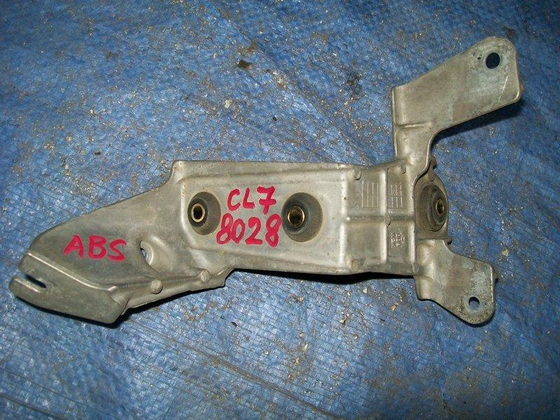 Кронштейн блока абс Honda Accord CL7 K20A6 2003
