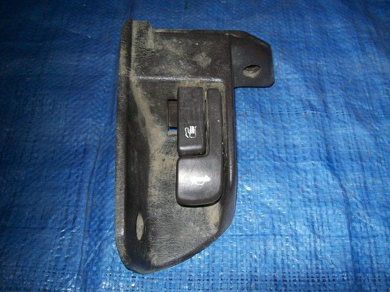Ручка открывания багажника Toyota Camry Sv30 SV30 4S-FE 1993