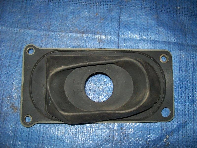 Пыльник кулисы Nissan Primera P12 QG18 2004