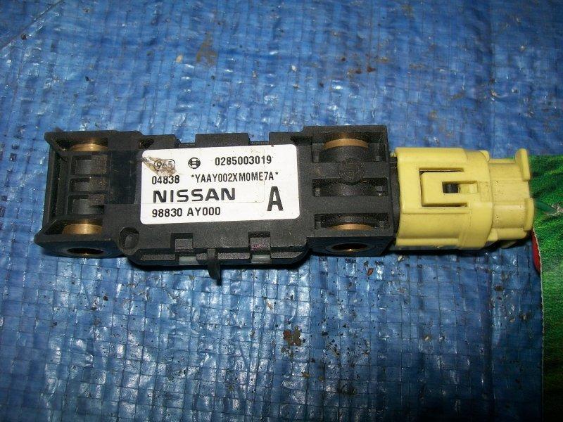 Датчик airbag Nissan Primera P12 QG18 2002