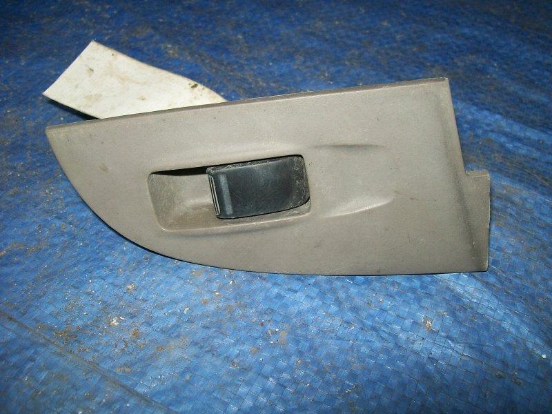 Кнопка стеклоподъемника Nissan Sunny SB15 YD22 1999 задняя правая