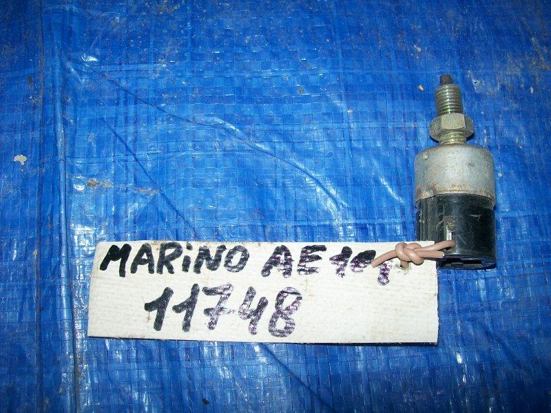 Датчик включения стоп-сигнала Toyota Sprinter Marino AE101 4AFE 1996