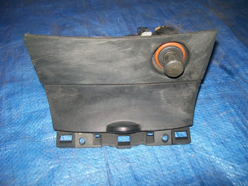 Пепельница Mazda 3 BK Z6 2003