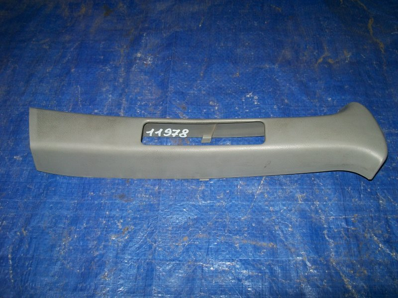 Накладка стойки Honda Integra DB6 ZC 1996 правая верхняя