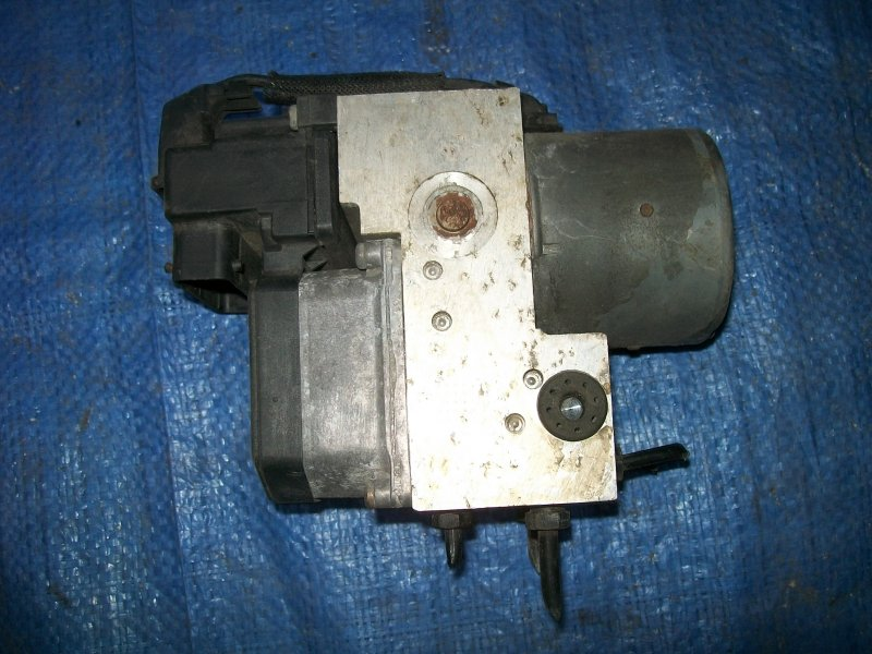 Блок abs Volkswagen Passat B5 APU 2000