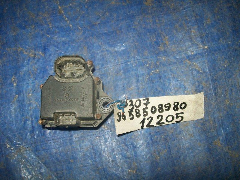 Резистор вентилятора Peugeot 307 2005