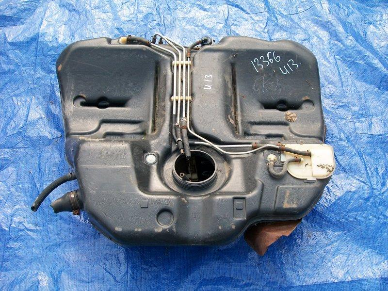 Бензобак Nissan Bluebird U13 SR18DE 1993