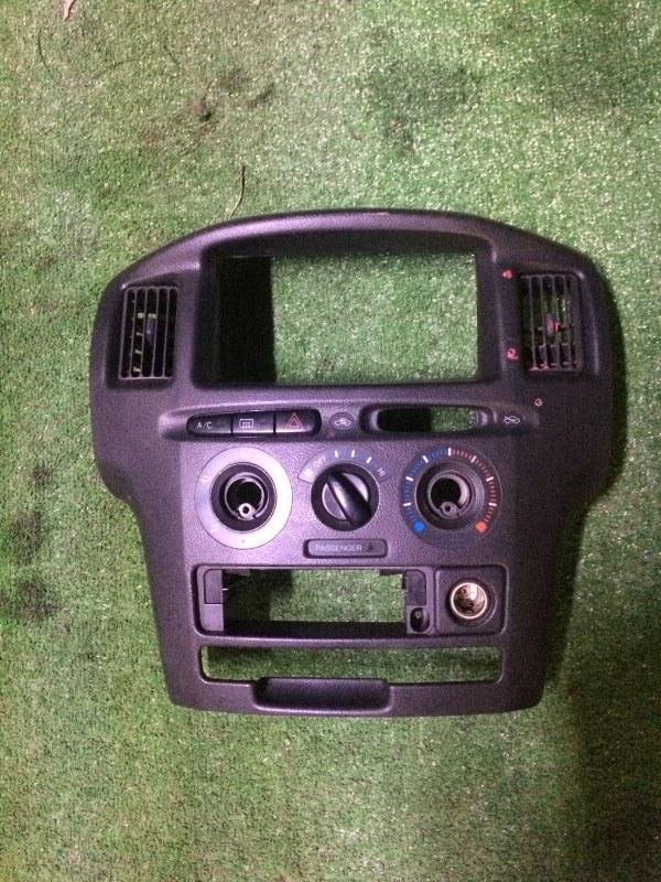 Консоль центральная Toyota Probox NCP58 1NZ-FE 2003