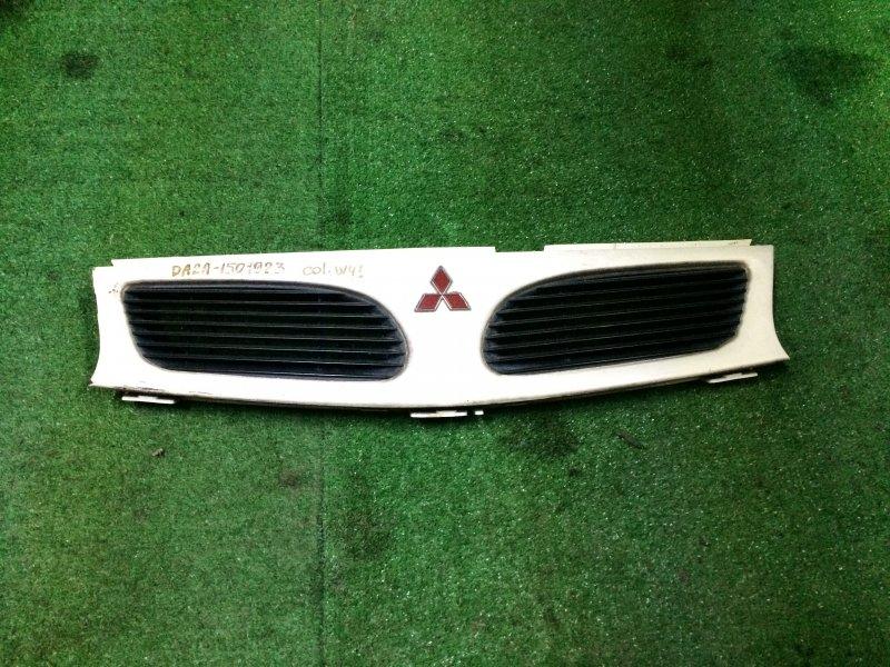 Решетка радиатора Mitsubishi Carisma DA2A 1998