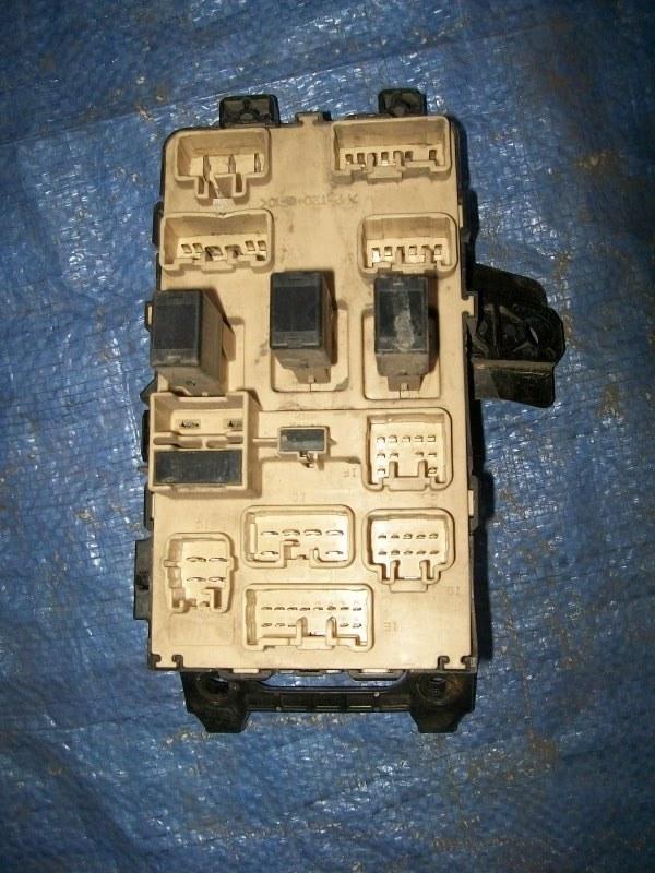 Блок предохранителей Toyota Carina AT210 4AGE 1998