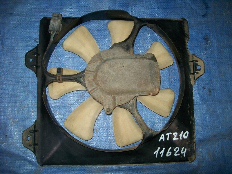 Диффузор радиатора Toyota Carina AT210 4AGE 1998 правый
