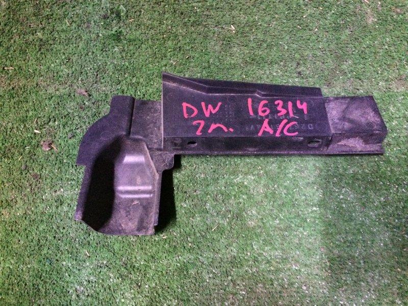 Накладка радиатора Mazda Demio DW3W B3 2000