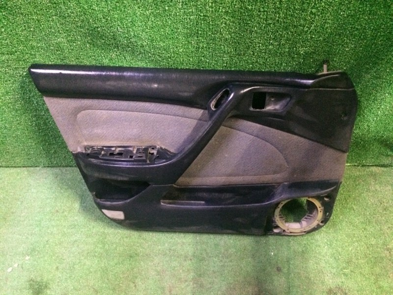 Обшивка двери Toyota Corona ST190 4SFE 1992 передняя левая