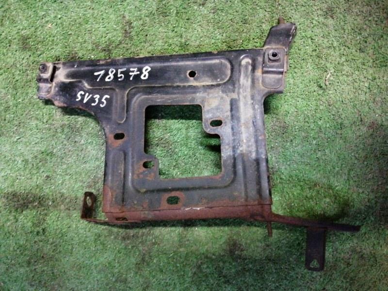 Кронштейн блока предохранителей Toyota Camry SV35 3S-FE 1993