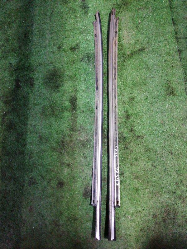 Молдинг лобового стекла Toyota Camry SV35 3S-FE 1993