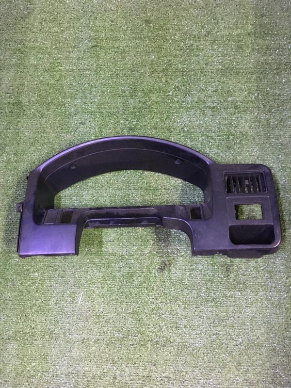 Рамка щитка приборов Nissan Ad WEY10 CD20 1995