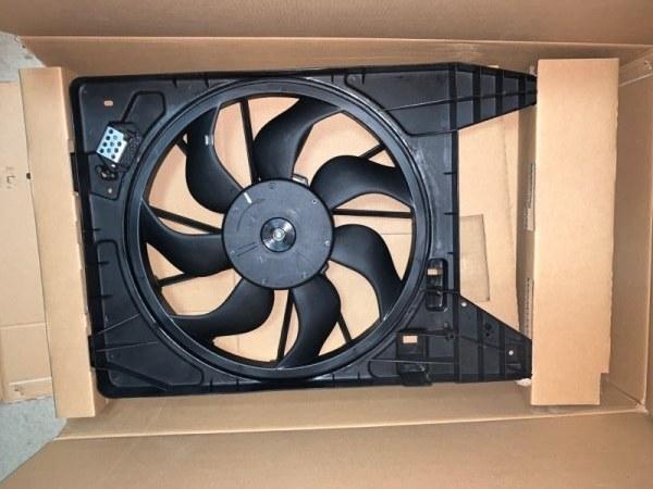 Диффузор радиатора Renault Logan G15
