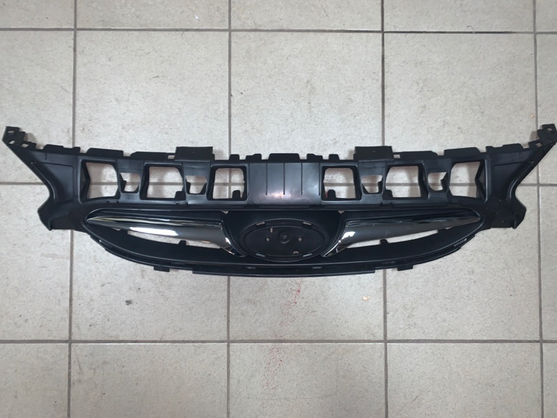 Решетка радиатора Hyundai Solaris 10