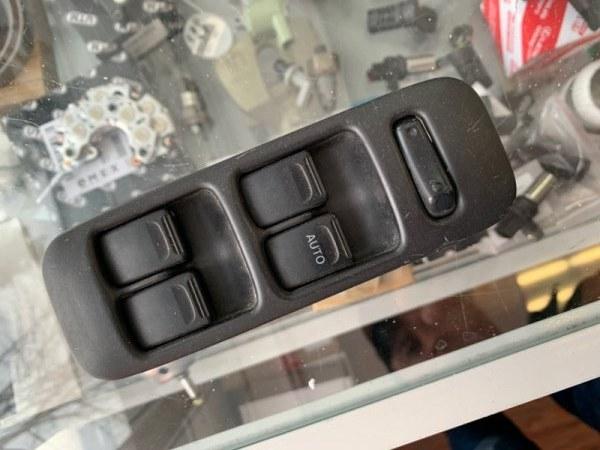Блок упр. стеклоподьемниками Suzuki Wagon R CT21S передний правый