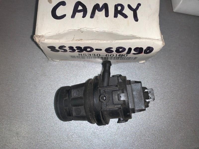 Мотор омывателя стекла Toyota Camry