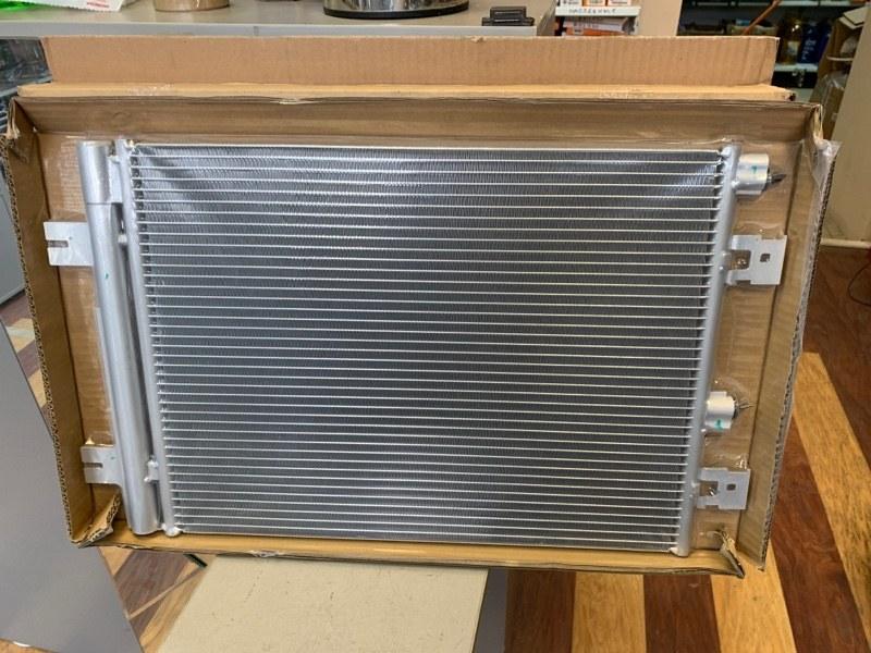 Радиатор кондиционера Renault Duster 05