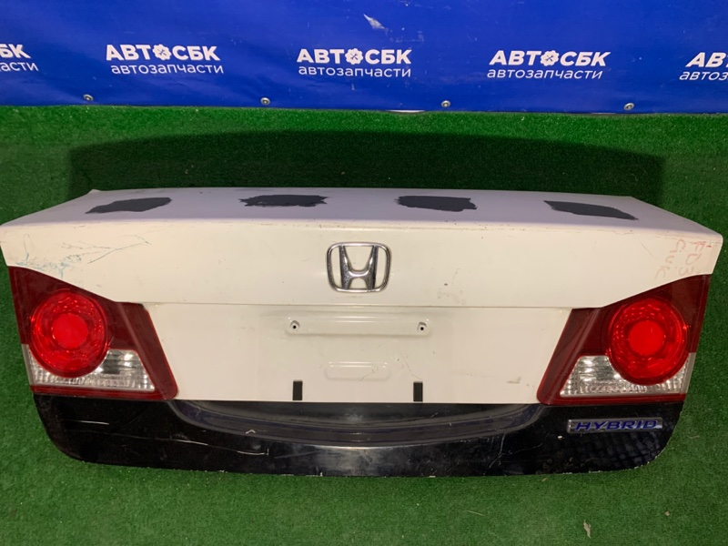 Крышка багажника Honda Civic FD R16A1 задняя