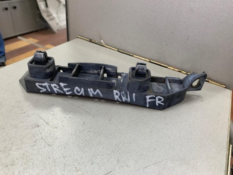 Крепление бампера Honda Stream RN1 D17A переднее правое