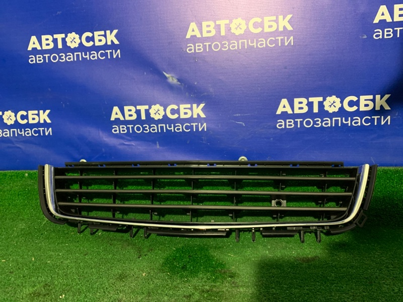 Решетка бамперная Opel Astra H 07