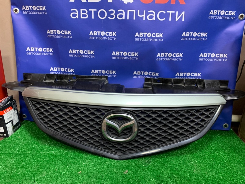 Решетка радиатора Mazda Mpv LW3W