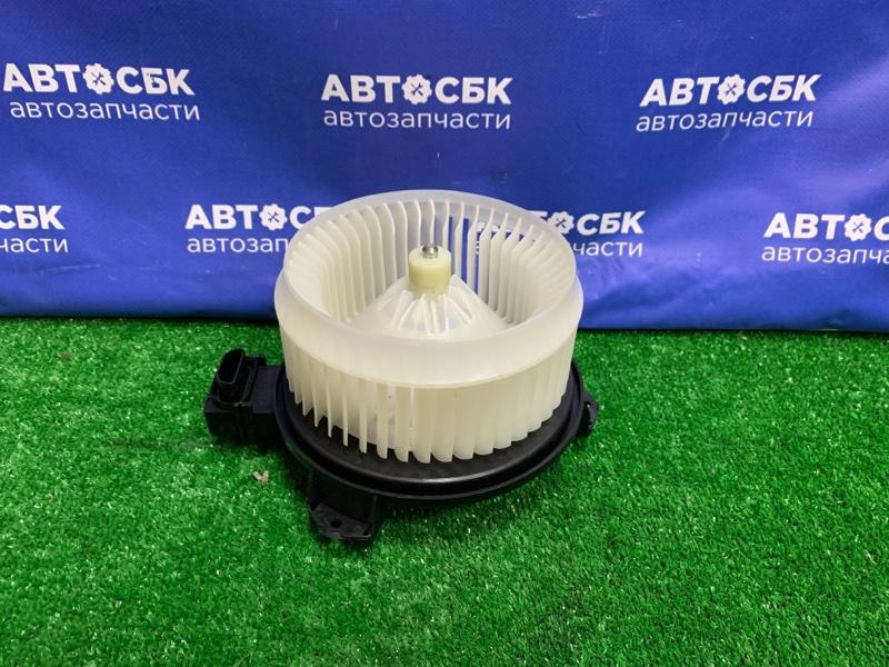 Мотор печки Toyota Scion Tc AGT20 1ADFTV
