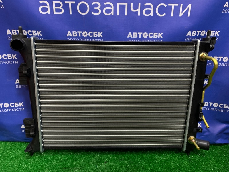 Радиатор основной Hyundai Solaris