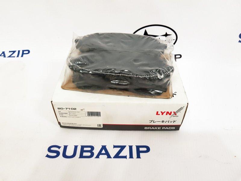 Тормозные колодки Subaru Impreza G11 2000 переднее
