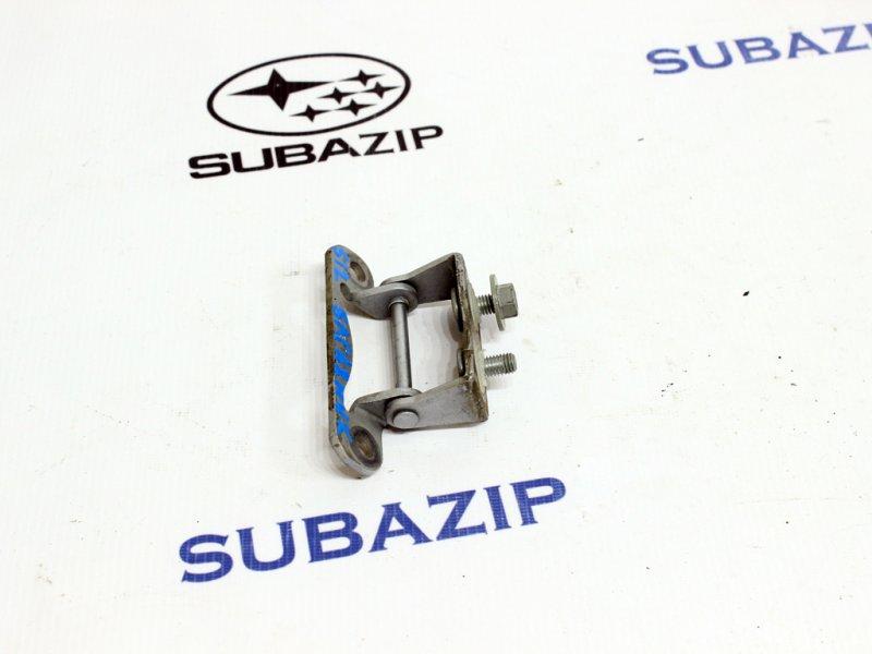 Петля крышки багажника Subaru Forester S10 1989 задняя