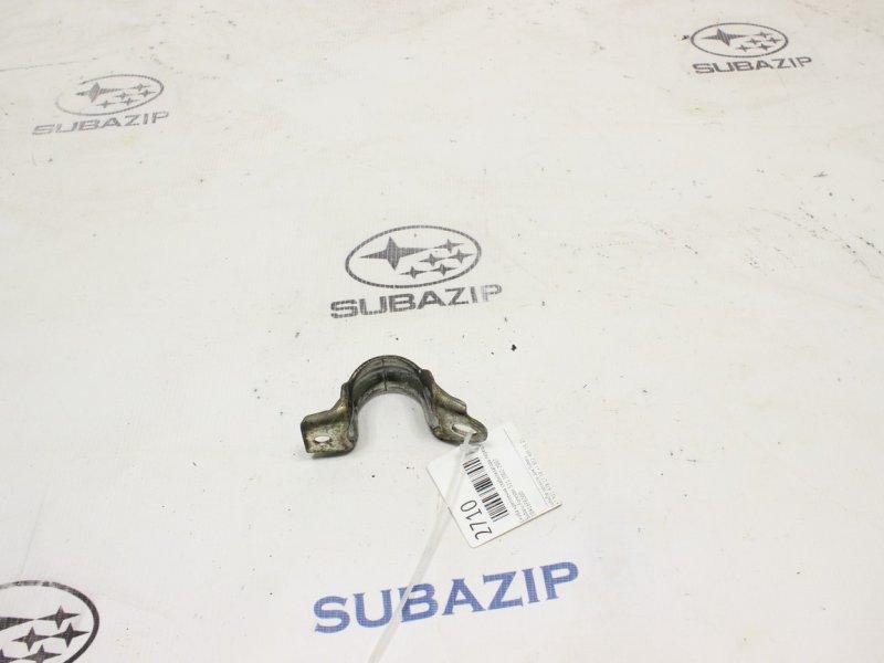 Скоба крепления стабилизатора Subaru Forester S11 2002 передняя