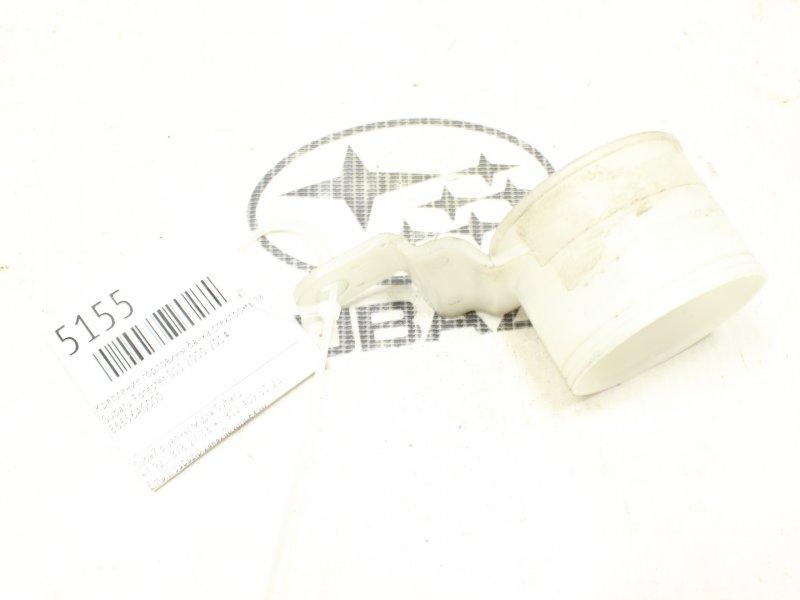 Крепление горловины бачка стеклоомывателя Subaru Forester S11 2000