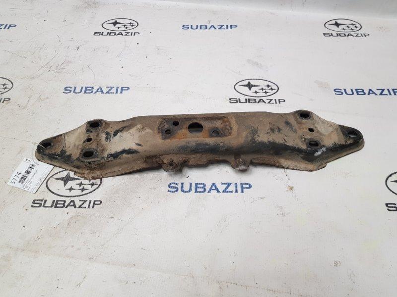Крепление кпп Subaru Outback BE EJ251 1999