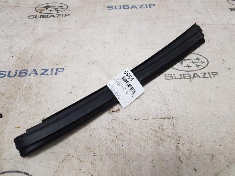 Уплотнитель багажника Subaru Legacy B13 2003 нижний