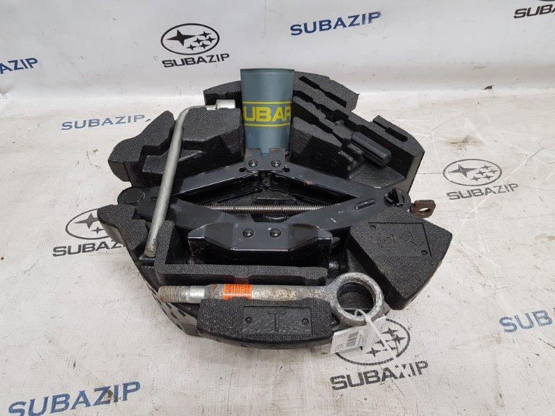 Набор инструментов и домкрат Subaru Impreza Sti G22 EJ257 2007