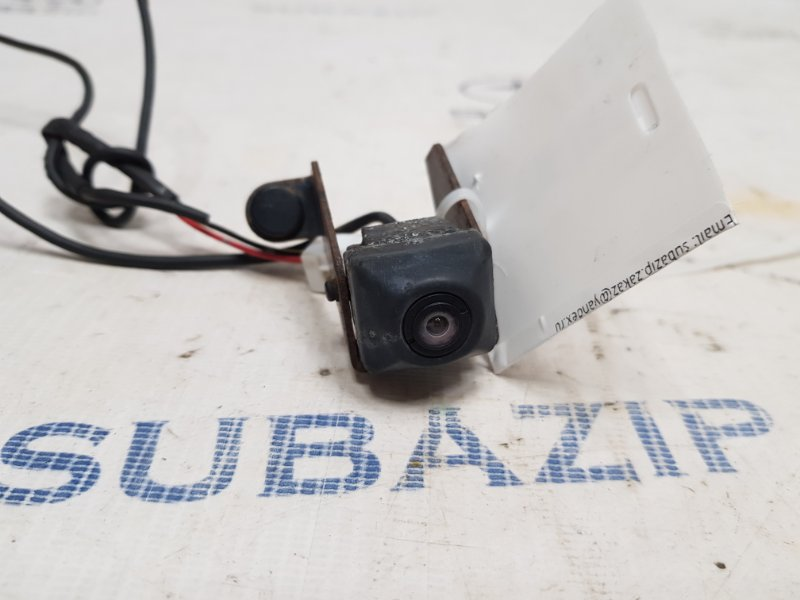 Камера заднего вида Subaru Legacy B14 2009