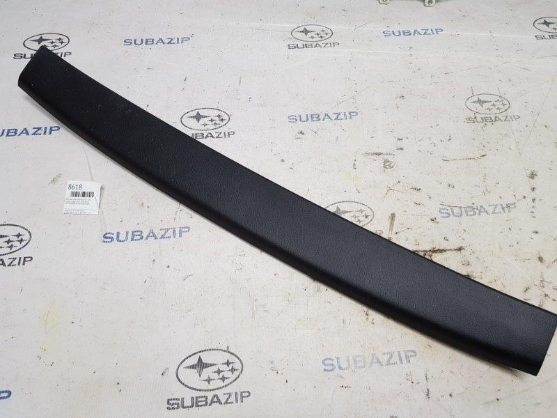 Обшивка двери багажника Subaru Legacy B14 2009 верхняя
