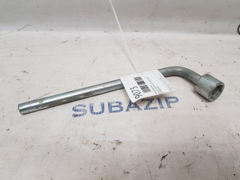 Ключ балонник Subaru Forester S10 1988